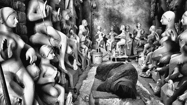 Sleeping off Durga Puja, Kumortoli, Calcutta