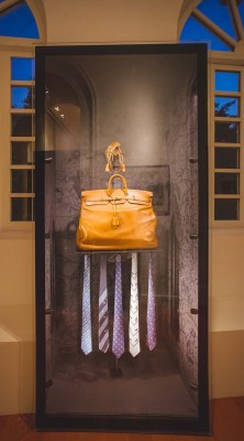 The 'Haut à courroies' bag used to transport saddles, that served as inspiration for the Kelly hangbag