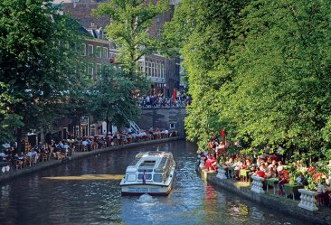 Amsterdam: And quietly flows the Amstel