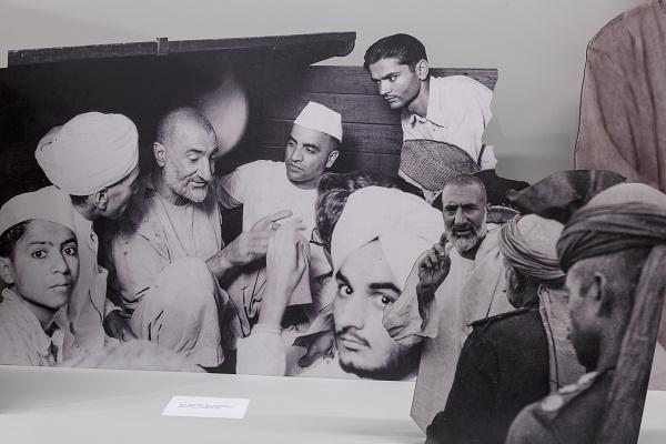 A Photogenetic Line at Experimenter, Kolkata