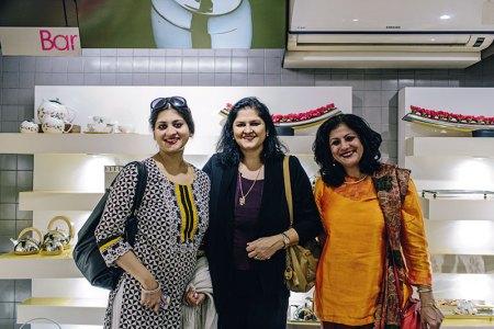 Paroma Dutt Mehra, Sonu Kapoor, Viveka Chattopadhyay