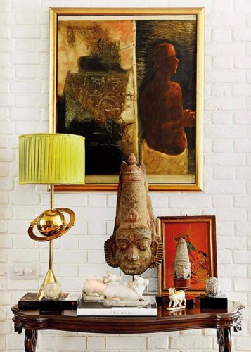 An antique bust finds prominence