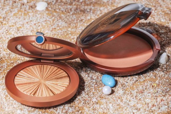 Limited Edition Illuminating Powder Gelée, Bronze Goddess Powder Bronzer