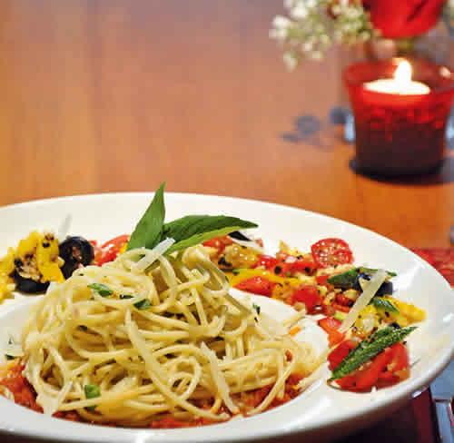 Whole wheat pasta with fresh pesto