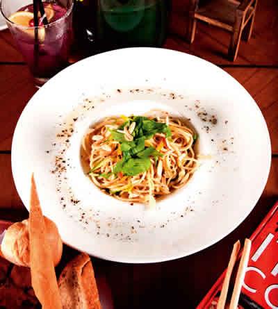 Fio-Cookhouse-&-Bar—Spagheti-Zucchini