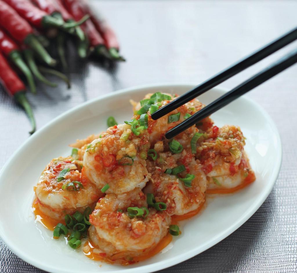 Stir-fried-prawns-with-superior-@-Mekong,-Palladium-Hotel,-Mumbai