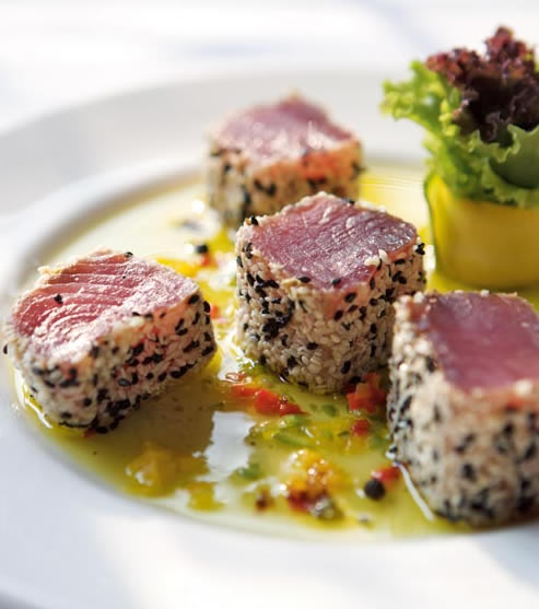 Marinated sesame crusted tuna with honey-chilli sauce