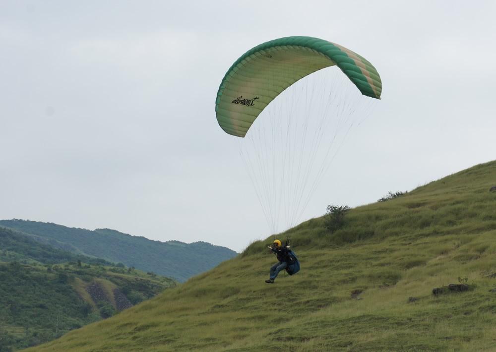 Paragliding: Training Site, Kamshet