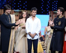 Vivek Oberoi, Vidya Malwade, Vikram Phadnis, Neil Nitin Mukesh