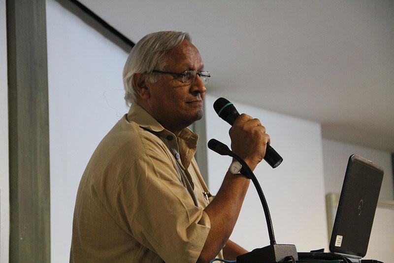 Bunker Roy speaking at the Godrej India Culture Lab in Mumbai