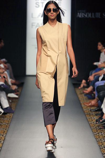 Amrita Khanna and Gursi Singh, Lakme Fashion Week 2014