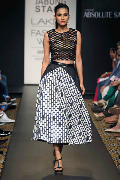 Urvashi Joneja, Lakme Fashion Week 2014
