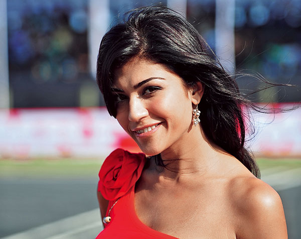 Archana Vijaya, Model-anchor