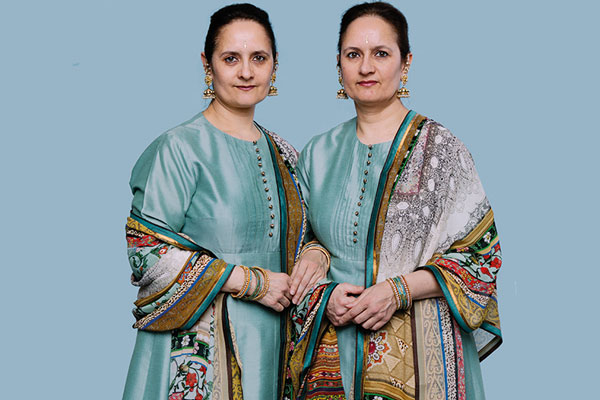 Amrit and Rabindra Kaur Singh, Singh Twins