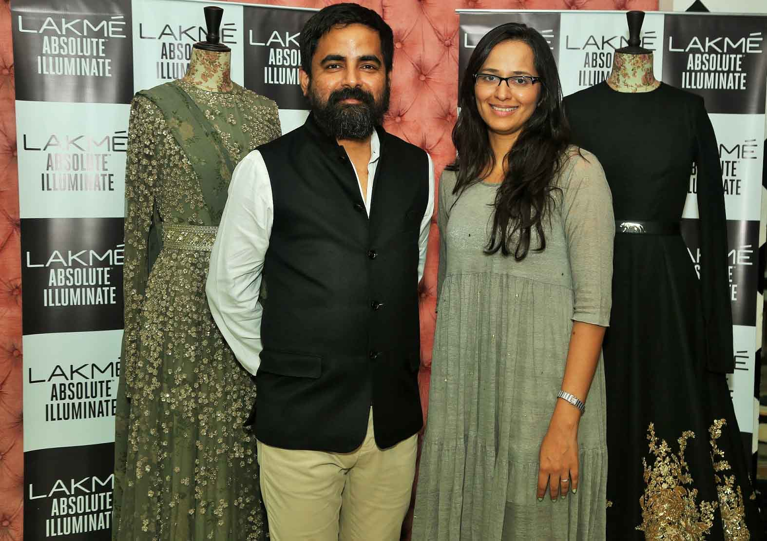 Purnima Lamba, Head of Innovations Lakme, with Lakme Grand Finale Designer Sabyasachi Mukherjee, Lakme Illuminate with Sabyasachi Mukherjee, Lakme Fashion Week Winter Festive 2016, Fashion, Runway
