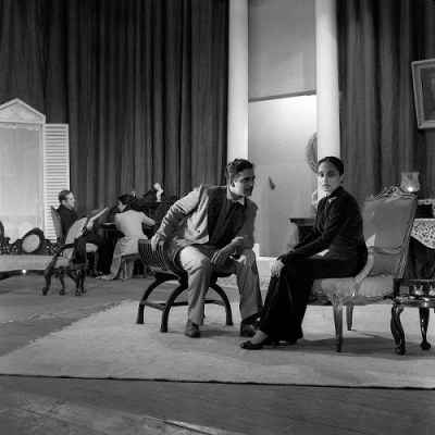 Hedda Gabler by Henrik Ibsen, Dir. E.Alkazi. Hima Devi as Hedda Gabler and M.Chitnis as Judge Brack, Theatre Unit, Bombay, 1958.