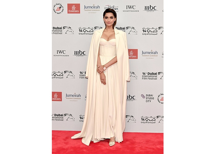 Fashion, Featured, Online Exclusive, Red Carpet, Style, Sonam Kapoor in Ashi Studio at the Dubai International Film Festival