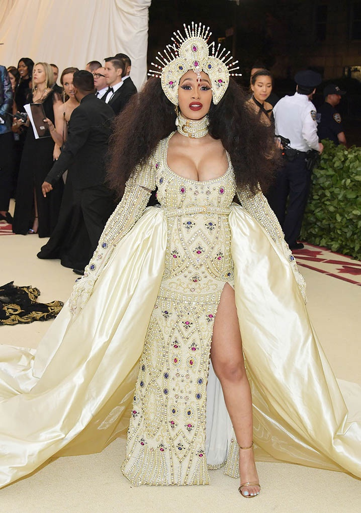 Catholic, Catholicism, Designers, Fashion, Fashion's Biggest Night Out, Heavenly Bodies: Fashion and the Catholic Imagination, Hollywood, Mat Gala, Met Ball, Met Ball 2018, Met Gala 2018, Metropolitan Museum of Art's Costume Institute Gala, Metropolitan Museum of Art's Costume Institute Gala 2018, Papal, Religion, Style, The Vatican, Vestments, Cardi B, Moschino