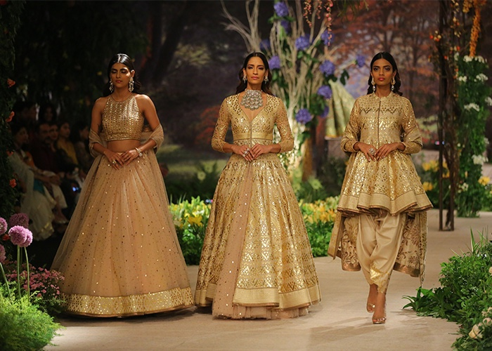 Couture, Fashion, Featured, ICW 2018, India Couture Week, India Couture Week 2018, Online Exclusive, Reynu Tandon, Style