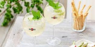 Aperol spritz martini vervemagazine for Bicchiere da spritz