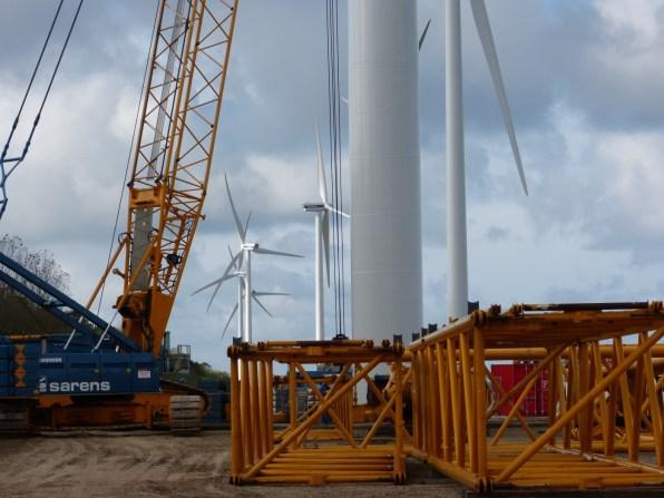5 Windturbines op Maasvlakte II