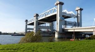 A-Lanes A15 Civil v.o.f. bouwt de hoogste hefbrug van Europa.