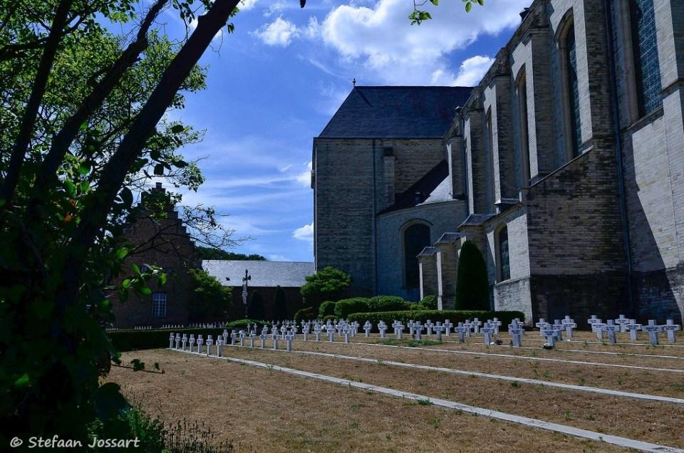 Terug aan de abdij van Averbode.
