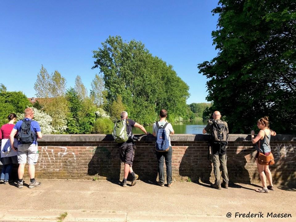 Even verpozen op de brug over de Oude Maas.