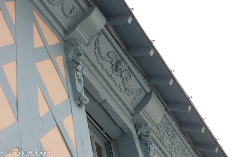 Detail gevel vakwerkhuis in Josselin.
