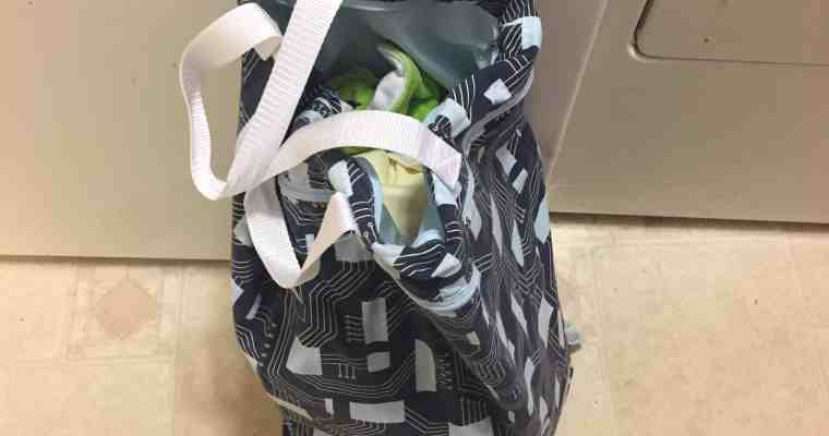 """<p style=""""text-align: center;""""><strong><span style=""""color: #ff5e78;"""">How to Wash Cloth Diapers <em>(THE EASY WAY!)</em></span></strong></p>"""