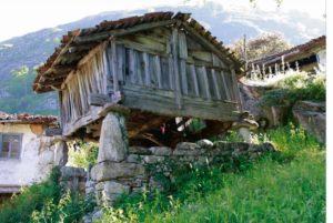 Asturias - Hórreo beyusco