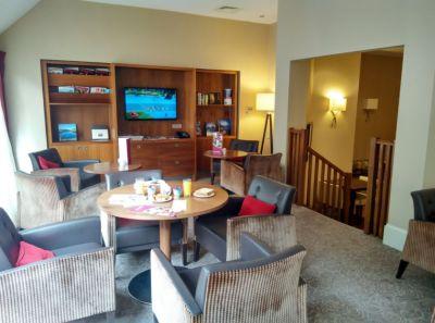 crowne-plaza-edinburgh-lounge