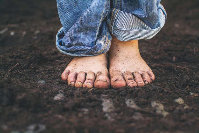 is going barefoot healthier