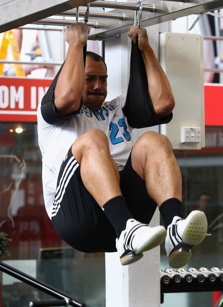 The Knee Raise Is One of the Best Ab Exercises