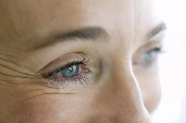 Nahaufnahme der Augen der Frau