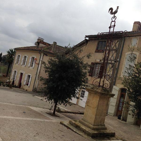 Village autour du Château de Cassaigne- Vinocamp Armagnac Gascogne 2015