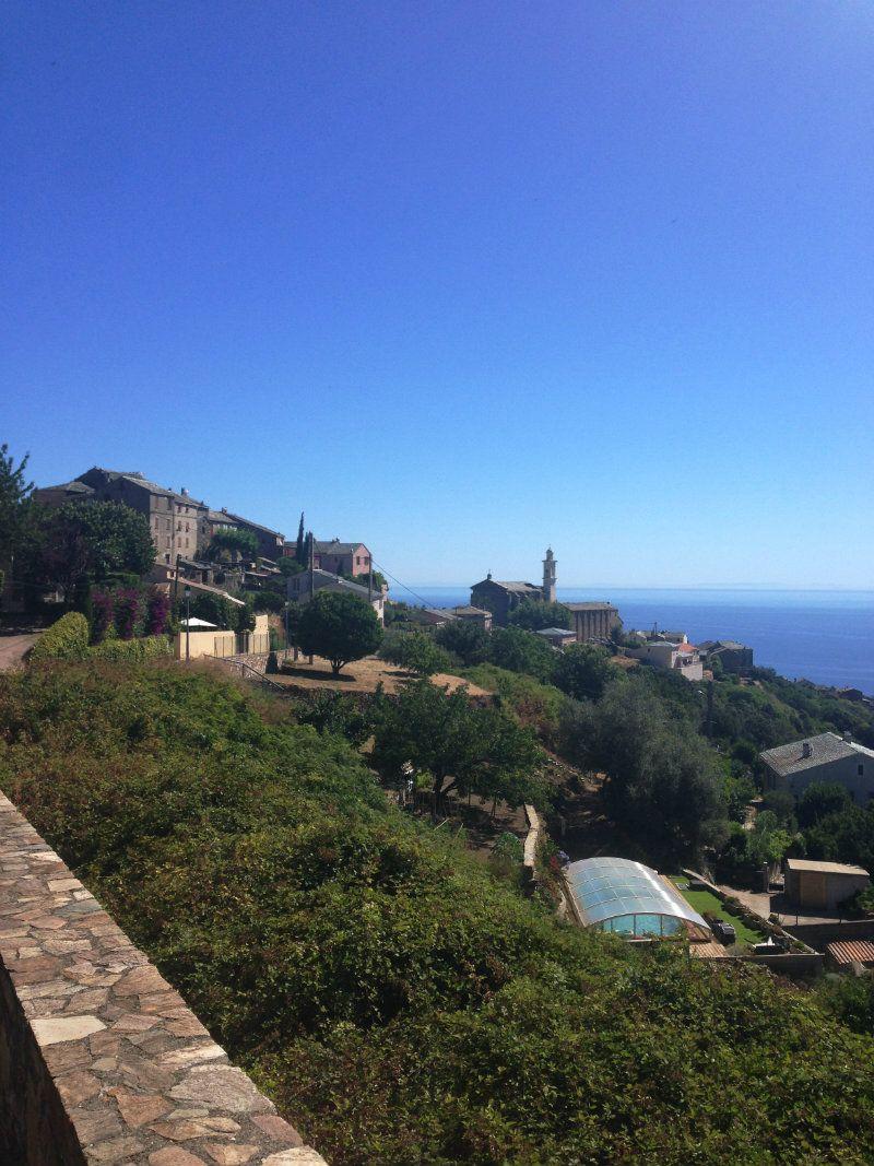 Vue sur eglise de San Martino di Lota