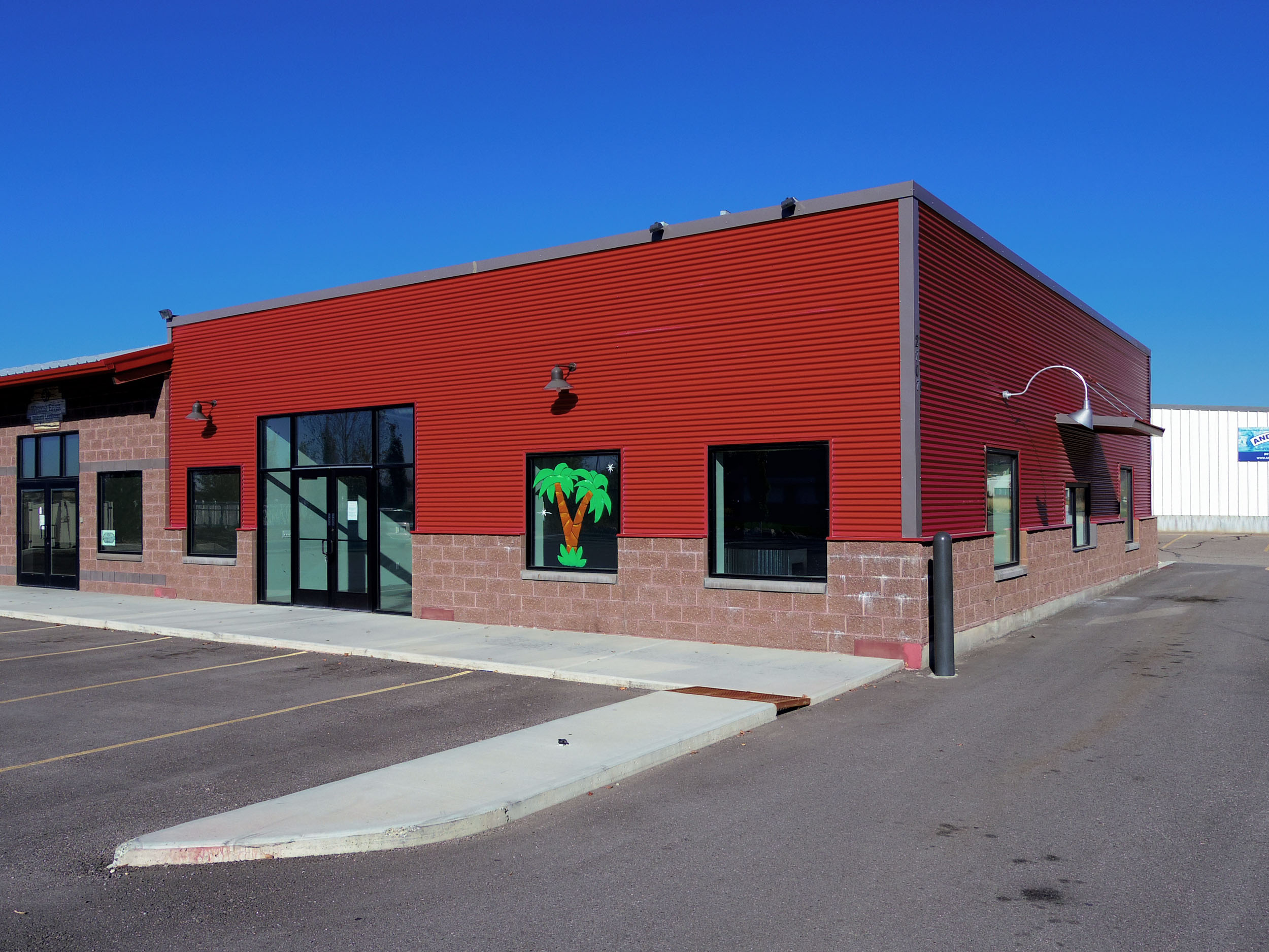 FOR LEASE:  Pleasant View Office/Restaurant/Retail Space