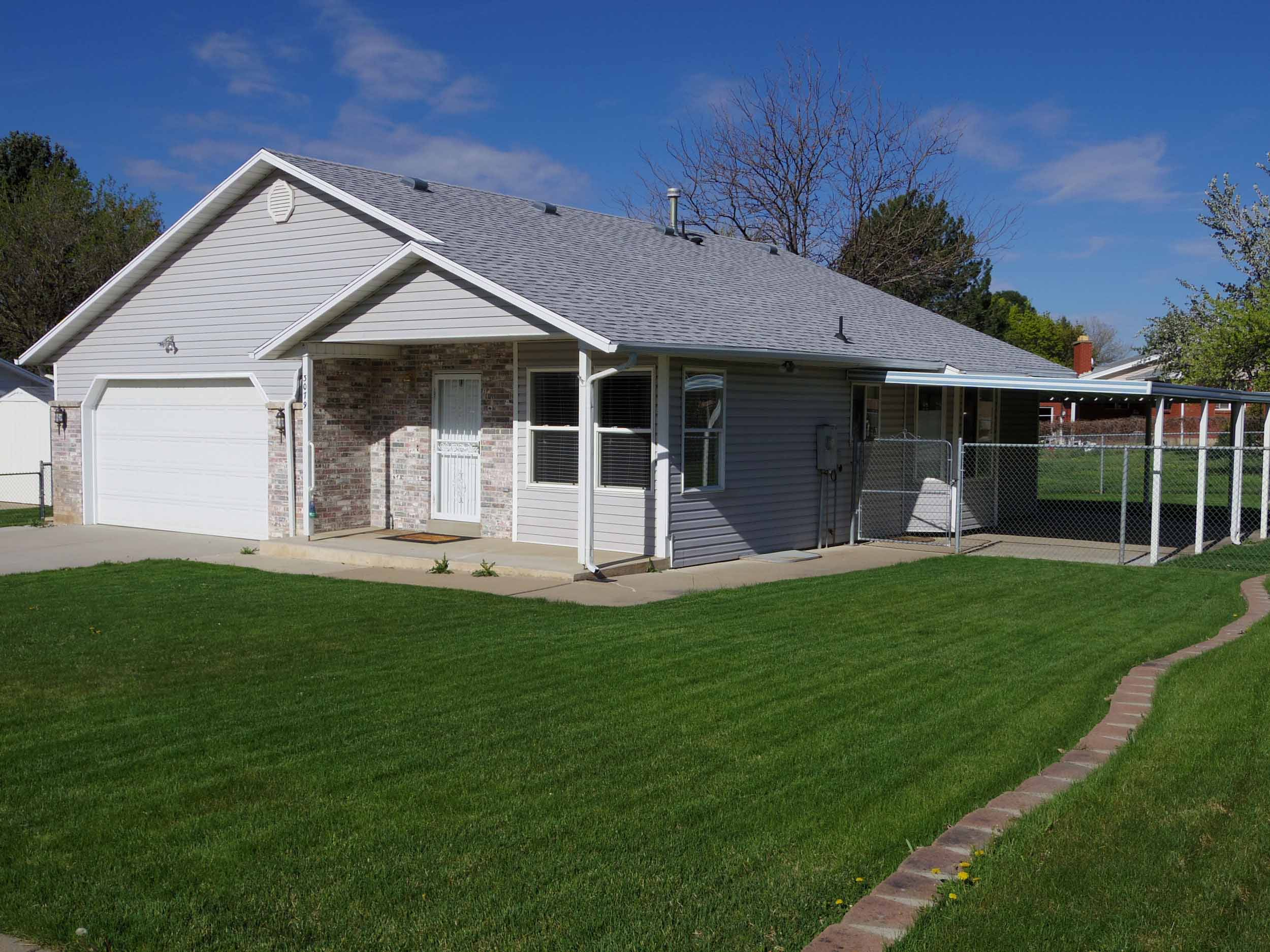UNDER NEW MANAGEMENT:  Spacious North Ogden Rambler