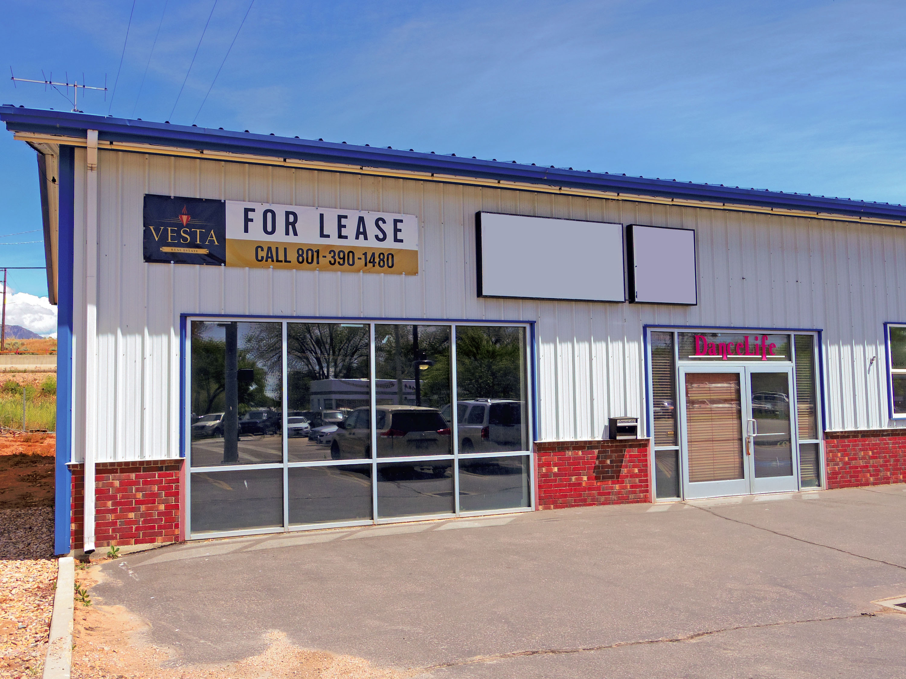 FOR LEASE:  Large Roy Commercial Space