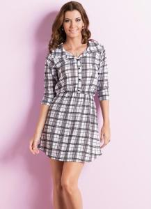 vestido acinturado com botoes xadrez