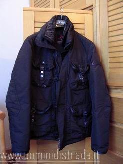 detailed look 45544 abba2 Come riconoscere le giacche originali Peuterey - Vestiti Moda