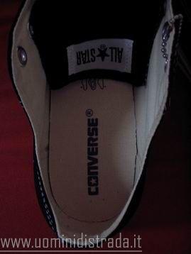 come riconoscere scarpe converse
