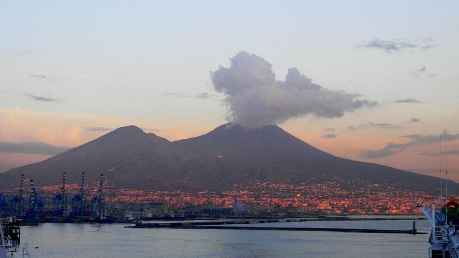 Il Vesuvio da esplorare Ecco 5 emozionanti escursioni in programma a marzo