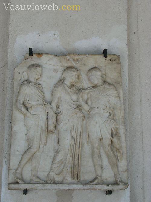Aniello Langella  Il bassorilievo di Orfeo e Euridice di Torre del Greco  Reportage