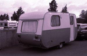 En svensk vogn fra midt på 1960-tallet. Mener den het FIAB Holiday. BL
