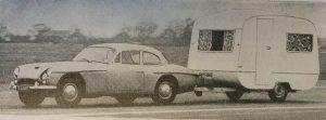 Et utklipp fra 1966 der en Jensen med en Bluebird Europe på kroken brukte 26 sekunder fra stillestående til 100 km t og tilbake til stillstand. BL