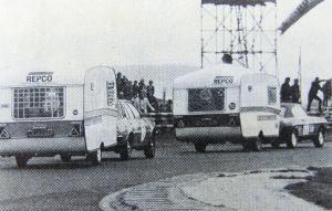 Et utklipp fra tidlig 1970-tall da man kjørte baneløp med campingvogner i England, i regi av den engelske Caravan Club. BL