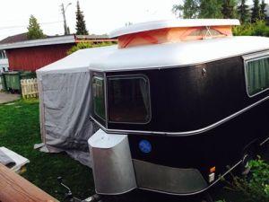 Marita Kristin Aikio Masternes : Camping i hagen