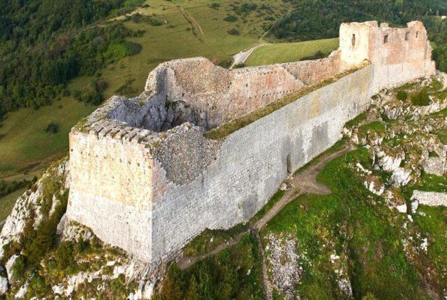 Montsegur_chateau-de-montsegur
